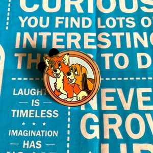 TOD & COPPER BEST FRIENDS MYSTERY DISNEY PIN